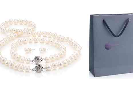Groupon Goods Global GmbH - White Semi Baroque Pearl Set with Gift Box - Save 88%