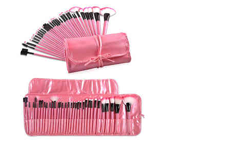 Beauty Shop 4 U - 32 piece professional makeup brush set choose from pink or black - Save 72%