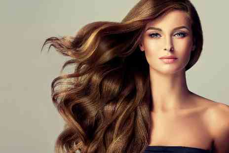 New York Glamour Hair - One hour makeup course - Save 0%