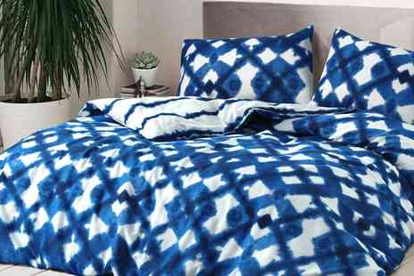 Groupon Goods Global GmbH - Tie Dye and Check Duvet Cover Set - Save 71%