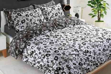 Groupon Goods Global GmbH - Animal Print Reversible Duvet Cover Set in Choice of Colour and Size - Save 69%