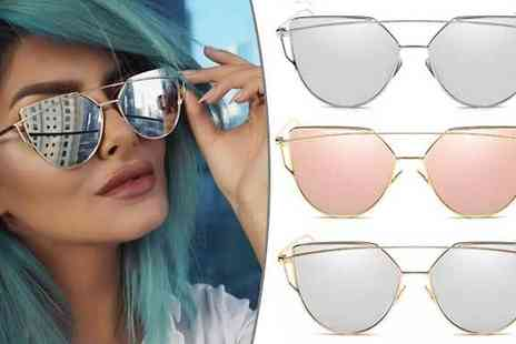 Marcus Emporium - Cat Eye Vintage Inspired Mirrored Sunglasses Choose from 3 Colours - Save 65%