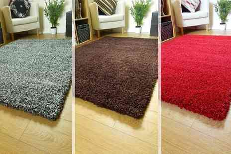 Groundlevel - Shaggy rug in one of five sizes choose from nine colours - Save 67%