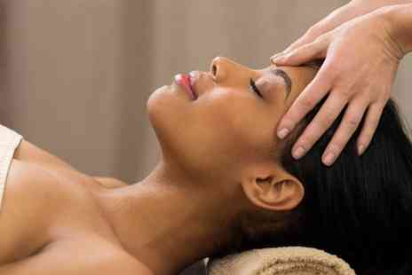 Hemaxi Beauty - Deluxe facial from Hemaxi Beauty - Save 44%