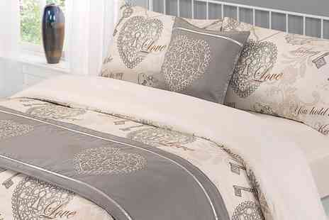 Groupon Goods Global GmbH - Dreamscene Six Piece Complete Bedding Set - Save 62%