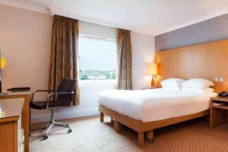 DoubleTree by Hilton - Overnight Stay near Glasgow with Dinner & Prosecco - Save 0%