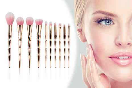 Alvis Fashion - Ten piece makeup brush set - Save 78%