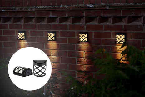 Zoozio - Two solar fence lights - Save 77%