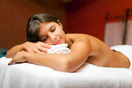 Sarah Artistry - 60 minute full body massage - Save 62%