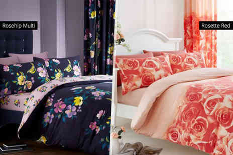 Groundlevel - Printed bed set with fitted sheet and curtains - Save 80%