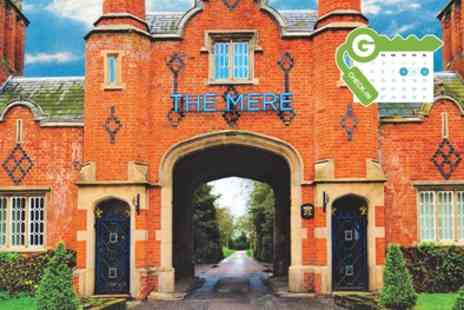 Mere Golf Resort - Four Star Stay for 2 with Breakfast, 5 Bubble Spa Treatments Option for 2AA Rosette Dinner - Save 0%