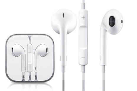 Digital Save -  A pair of Apple EarPods with mic and volume control - Save 69%