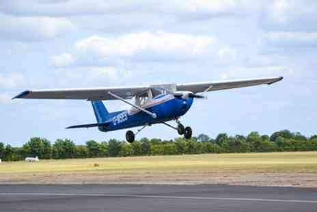 Go Fly Oxford - 20 Minute Cessna 150 Flight Experience - Save 40%