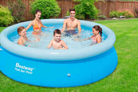 Direct 2 public - 8ft Large Inflatable Swimming Pool - Save 63%