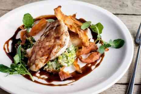Oxfordshire Hotels - Delightful 2 Course Meal for 2 at 16th Century Inn - Save 46%