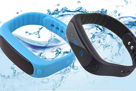 Eskkay - 12 in 1 Fitness Tracker in 2 Colours - Save 91%