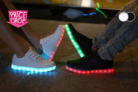 Kequ World - Pair of light up LED trainers choose either black or white - Save 91%