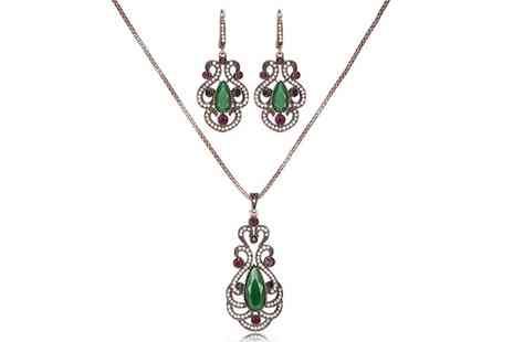 Groupon Goods Global GmbH - Vintage Crystal Pendant and Earrings Set - Save 84%