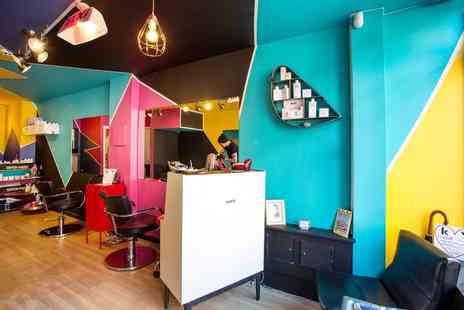 Tramp Hair Boutique - Full head of highlights, cut & blow dry - Save 66%