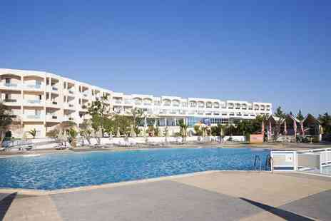 Bargain Late Holidays - Seven night all inclusive 4 Star Kos, Greece break including flights and sea view upgrade - Save 26%