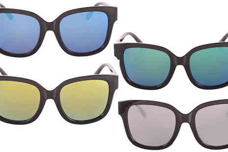 Fakurma - 2 Pairs of Square Wayfarer Sunglasses Available in 4 Colours - Save 87%