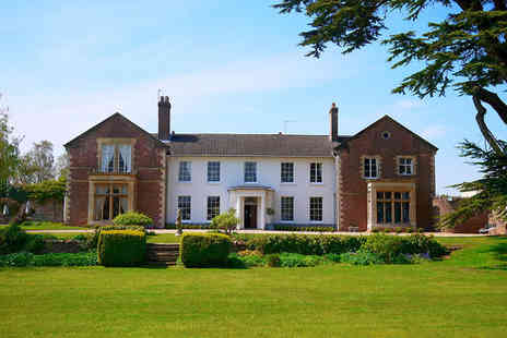 Glewstone Court - Four Star Charming Grade II Listed Georgian Manor Stay For Two - Save 42%