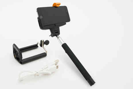 Ckent - Bluetooth selfie stick & dual adaptor - Save 68%