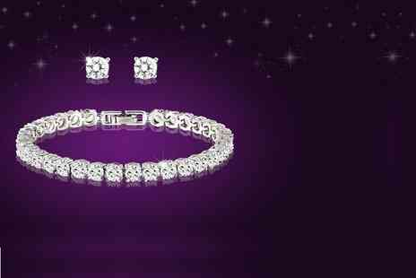 Fakurma - Tennis bracelet and matching stud earrings - Save 87%