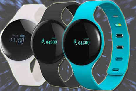 Ugoagogo - Lunar Bluetooth Smartwatch - Save 88%