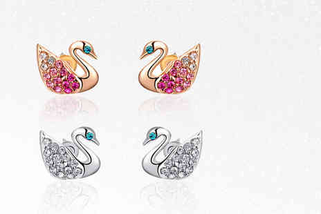 Your Ideal Gift - Pair of swan stud crystal earrings - Save 86%