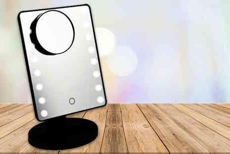 Groundlevel - LED light mirror with magnifier - Save 76%