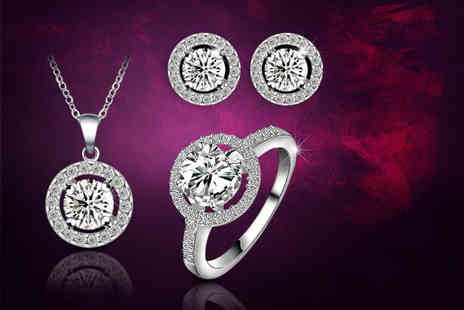 Fakurma - 18k white gold plated halo tri set made with cubic zirconia - Save 88%