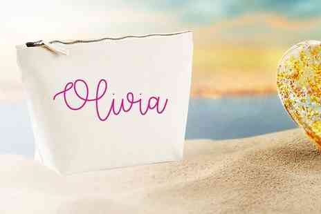 Treats on Trend - Love Island inspired make up bag - Save 60%