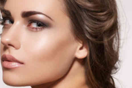 OMG Beauty - 3D eyebrows including waxing, tweezing and tinting - Save 64%