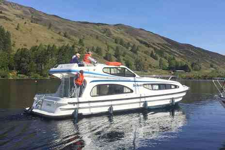 Le Boat - Seven nights of boat hire for two to six in your choice of five French regions - Save 44%