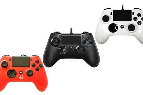 Groupon Goods Global GmbH - One or Two Gator Claw Wired PS4 Controllers - Save 25%