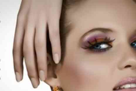 Lauren E Summers - Full Set of Eyelash Extensions Plus Choice of Treatment Such as OPI Manicure - Save 63%