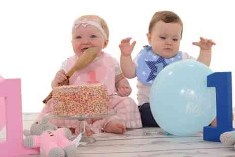 Chris Mullane Photography - Cake Smash and Splash Photoshoot - Save 0%
