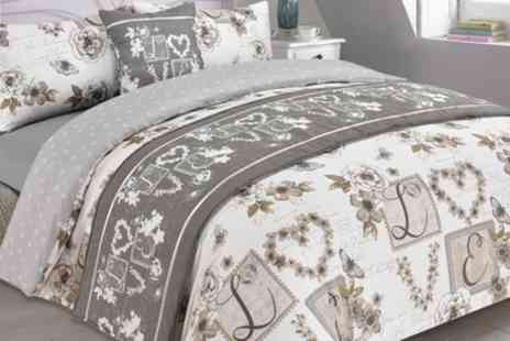 Groupon Goods Global GmbH - Dreamscene Six Piece Complete Bedding Set in Choice of Size and Colour - Save 62%