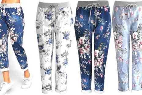 Groupon Goods Global GmbH - Womens Turn up Crop 3 or 4 Floral Capri Trousers - Save 0%