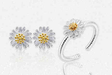 Solo Act - Silver tone daisy jewellery set - Save 58%