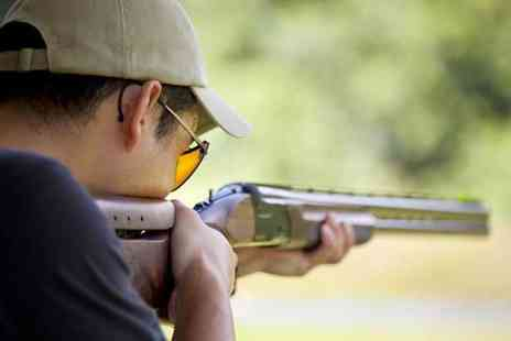 Yorkshire Field Sports - 90 minute clay shooting experience for two with a hot drink, breakfast roll, 1:1 tuition and 25 clays each - Save 39%