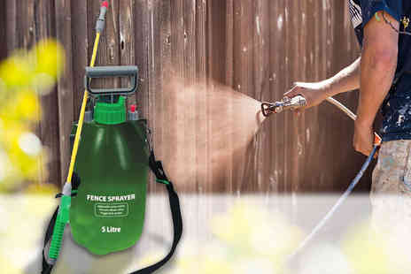 Direct 2 Publik - 5L clear high pressure fence and weed sprayer or 5L green, or 8L green sprayer - Save 73%