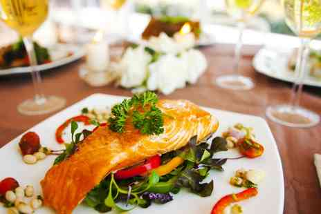 Doubletree - Three Course Sunday Lunch with Wine, Car Parking and Heath Club Facilities - Save 39%