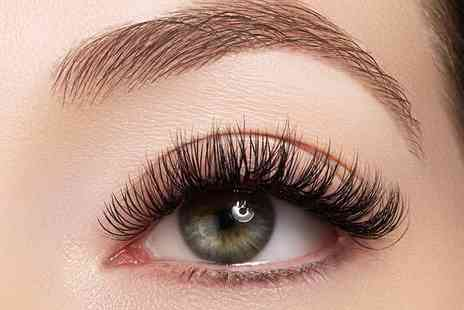 The Hair Salon - Eyelash and eyebrow beauty package - Save 63%