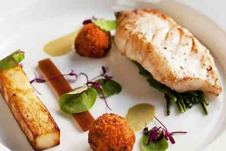 Buxted Park Hotel - 2 AA Rosette meal & bubbly for 2 - Save 47%