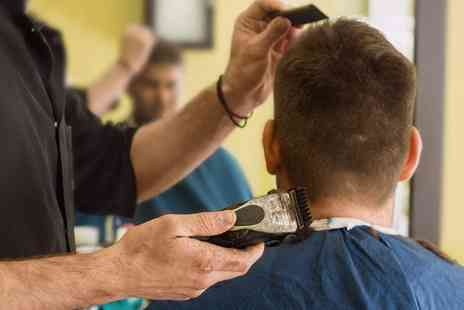 The Da Vinci Studio - Mens Haircut and Blow Dry - Save 42%