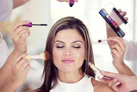 Le Rouge De La Vie - Four Hour Make Up Masterclass and Afternoon Tea for Up to Four - Save 68%