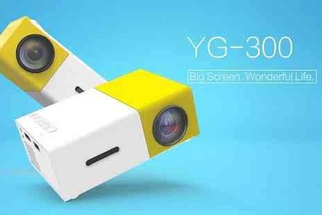 Infinity - Mini yellow Led projector - Save 78%