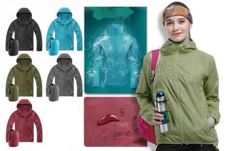 Jewleo - Unisex rain mac in a sack choose from four sizes and five colours - Save 75%